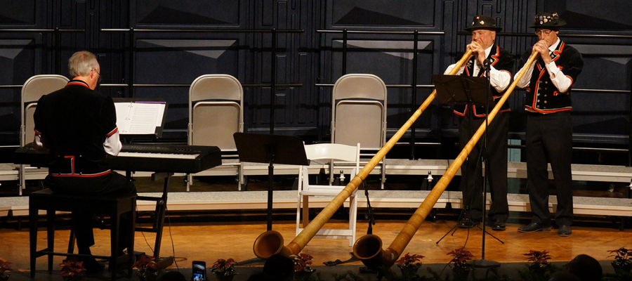 "Concert Opening Alphorn Performance by Ernie Kneubühler &amp; Franz Stadelmann</span><span style=""color: #000000;\""><span style=\""font-family: arial, helvetica, sans-serif; font-size: 10pt;\"">"