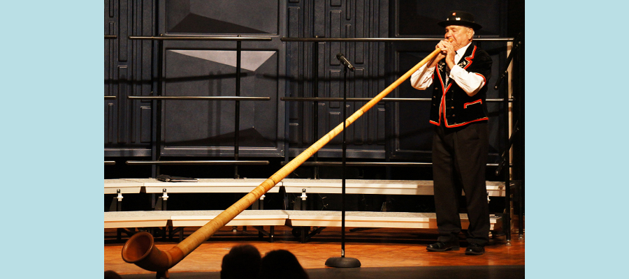 "Concert Opening with Ernie Kneubühler&#39;s Alphorn</span><span style=""color: #000000;\""><span style=\""font-family: arial,helvetica,sans-serif; font-size: 10pt;\"">"