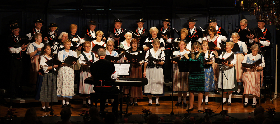 Swiss Harmonie Singing their Hearts out      ---      with Karin Hösli on Flute